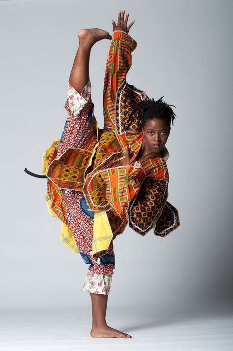Dance Performance Art, Brazz Dance Company, fused Afro-Brazilian dance and intertwined it with hip hop Modern Dance, Contemporary Dance, Shall We Dance, Just Dance, Tango, Black Is Beautiful, Beautiful People, Dance Aesthetic, Dance Baile