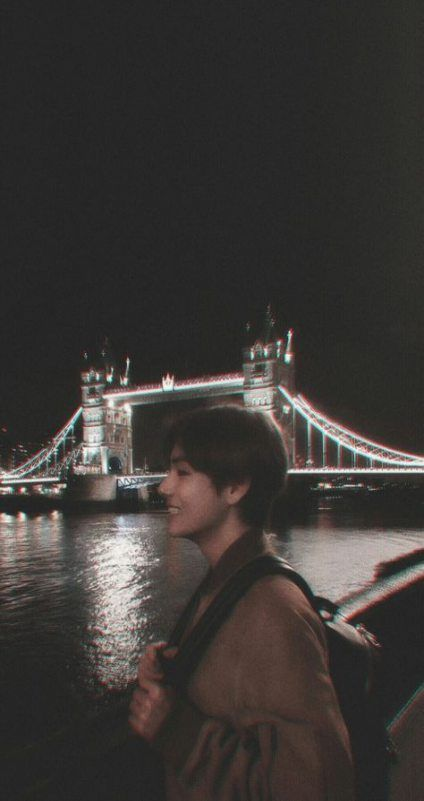 Lock Screen Korean Wallpaper Iphone In 2020 Bts Aesthetic Pictures Bts Wallpaper Kim Taehyung Wallpaper