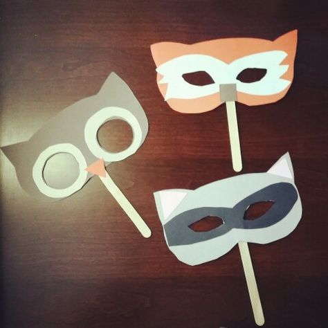 Over in the forest lives our owl, raccoon, & fox craft. Come and check out our woodland/forest animals storytime here @ Alamitos library!