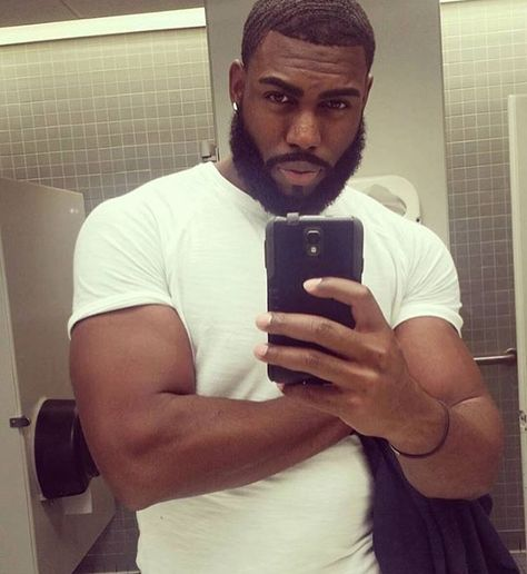 @jay._.slim #blackbeardedmen