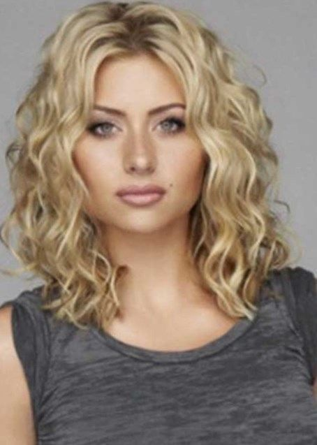 14 Photos Of The The Hairstyles Of Medium Length Hairstyles For Curly Hair Medium Curly Hair Styles Hair Styles Medium Hair Styles