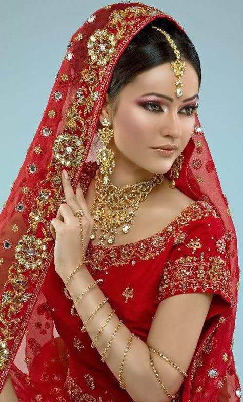 Red sari - the traditional Indian bridal dress