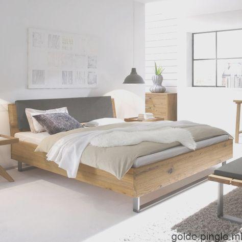 Stabiles Bett Valletta Mit Lebhafter Holzstruktur Meuble Chambre