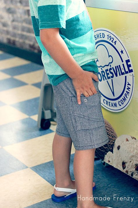 Sunny Day Shorts (FREE Pattern!!) Customized using the Kudzu Cargos pocket