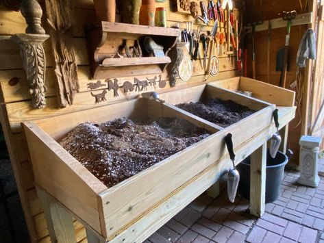 """The potting table is finished. Garden Shed Interiors, Greenhouse Interiors, Backyard Greenhouse, Greenhouse Plans, Potting Station, Potting Tables, Pallet Potting Bench, Potting Sheds, House Ideas"