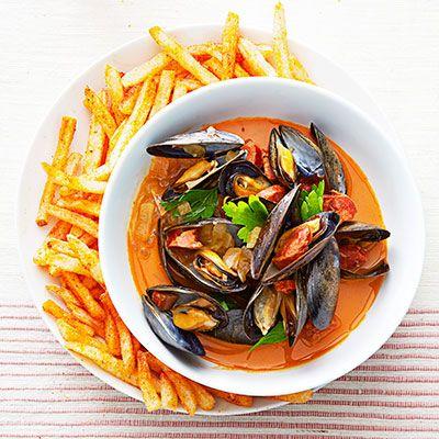 Spanish Mussels & Paprika #Fries #easydinners #weeknightmeals