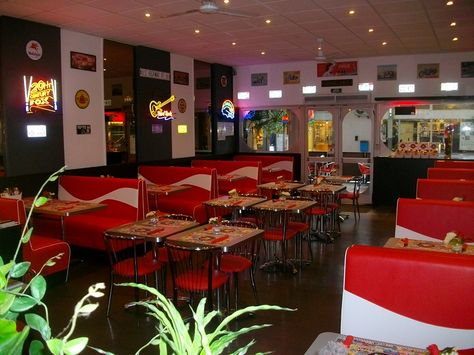 Restaurant Oh Happy Day A Colmar Meuble Par Coffeemeuble Meuble Mobilier Sur Mesure Restaurant