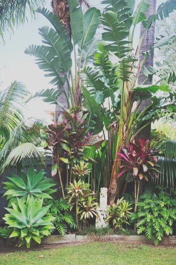 34 Garden Design That Is Refreshing And Comfortable In 2021 Tropical Garden Design Tropical Landscape Design Tropical Landscaping