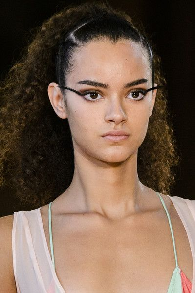 Fatima Lopes, Spring 2018 - Our Favorite Hair and Beauty Details From the Paris Runways - Photos