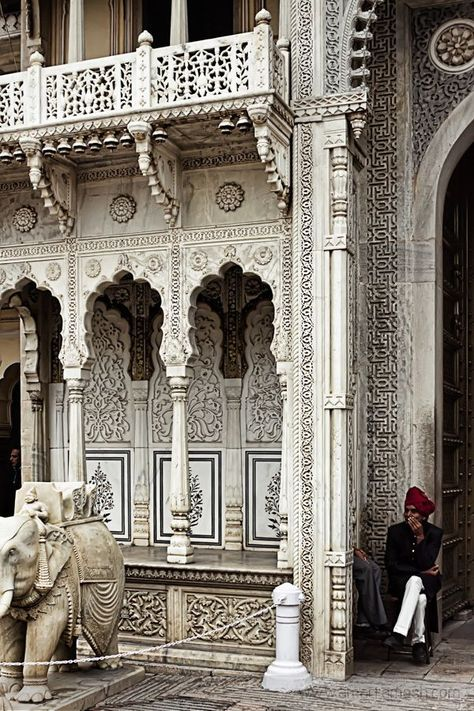 India Travel Inspiration - Temple in Rajasthan