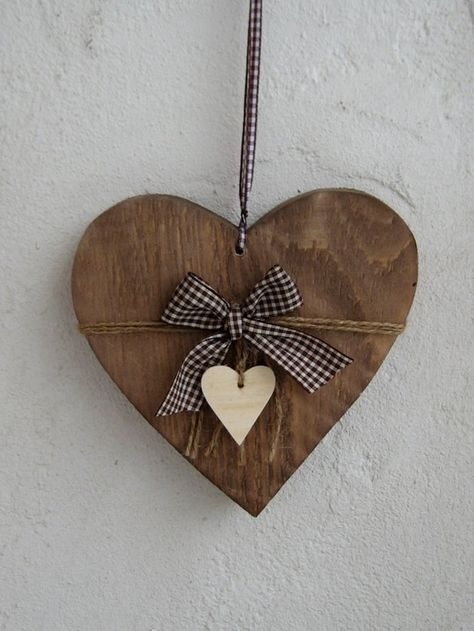 Massive XL shabby country house window / front door heart - Home Page Valentines Day Decorations, Valentine Day Crafts, Holiday Crafts, Heart Decorations, Holiday Decor, Vintage Decor, Shabby Vintage, Metal Clay Jewelry, Heart Crafts