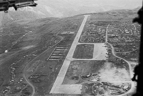 U1586528 | 25 Mar 1968, Khe Sanh, South Vietnam --- A Survey… | Flickr
