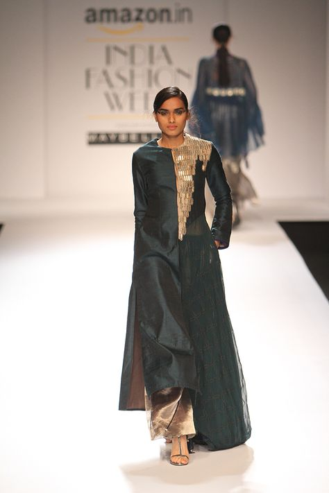 Amazon India Fashion Week Autumn/Winter 2016 | Kiran Uttam Ghosh #AIFW2016 #autumnwinter #PM