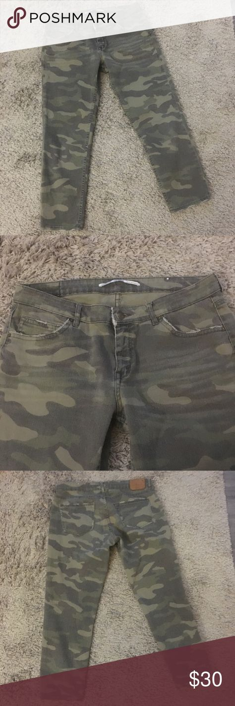 07c7b069 Zara woman camo skinny jeans size 10 Women's Zara brand skinny ankle jeans  in size 10. They are green camo and have cute fraying on the bottom hems  and .