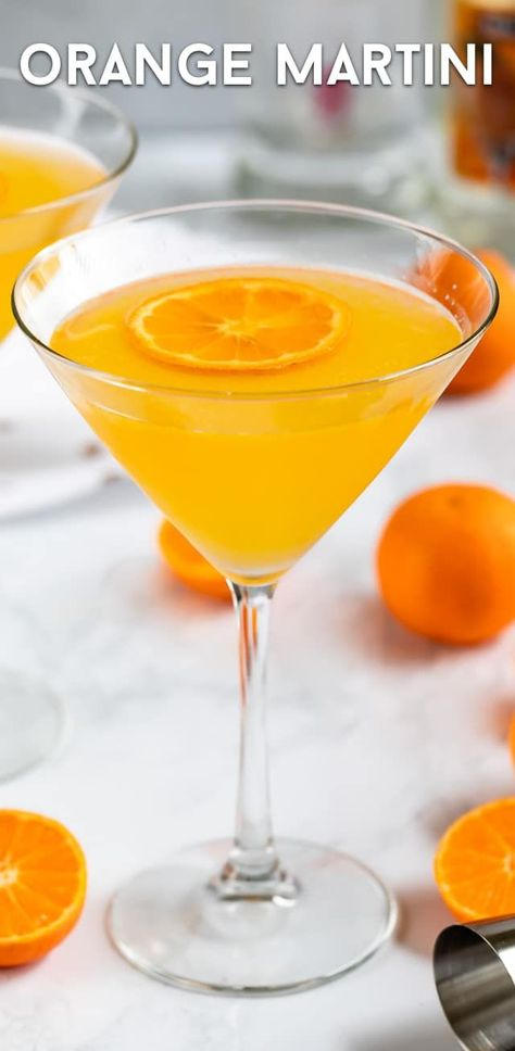 The perfect easy Orange Martini is made with vodka, triple sec, and fresh orange juice! This is the perfect easy homemade martini recipe. Orange Martini Recipe - Crazy for Crust Orange Martini Recipes, Blood Orange Martini, Orange Juice Cocktails, Orange Juice And Vodka, Cocktail Drinks, Fun Drinks, Yummy Drinks, Cocktail Recipes, Vodka Drinks
