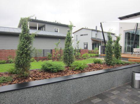 istutusaltaat - Piha ja puutarha Pihan muurit ja istutusaltaat - garageneinfahrt am hang