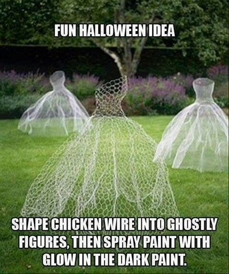 Chicken Wire Ghost Dresses, great for Halloween, but also as garden art for a garden wedding. halloween-ideas Shape and spray with glow in the dark paint. Fete Halloween, Outdoor Halloween, Diy Halloween Decorations, Holidays Halloween, Halloween Crafts, Happy Halloween, Halloween Ghosts, Yard Decorations, Halloween Masquerade