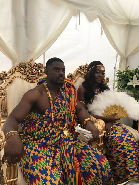 GabbyDarko:At a beautiful traditional wedding today of a young British-Ghanaian couple, Joel and Vida, in Mitcham, South London. Ghana Traditional Wedding, Traditional Wedding Dresses, Traditional Decor, African Wedding Attire, African Attire, Black People Weddings, Afro, Ghana Wedding, African Traditional Dresses