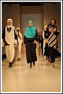 Vestiti Da Sera Wikipedia.Pin Su Moda Islamica