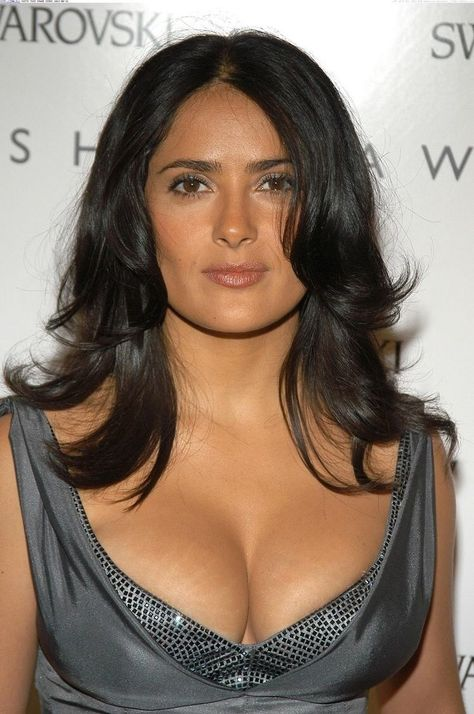 Top 10 Big milky cleavage pictures of Salma Hayek - Top 10 Big milky cleavage pictures of Salma Hayek – Hot Actress Gallery -
