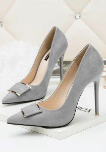 9eb7678ca8c The Perfect Shoe for A Lace Dress: A Complete Style Guide | Shoe for ...