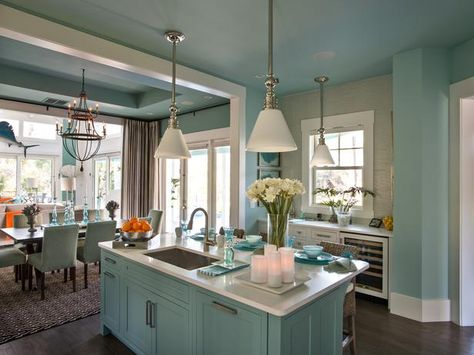 Contemporary Cottage-Style Design w/ an Open Floor Plan. HGTV Smart Home in Jacksonville, Fla. http://www.hgtv.com/smart-home/hgtv-smart-home-2013-kitchen-pictures/pictures/page-13.html?soc=pinterest