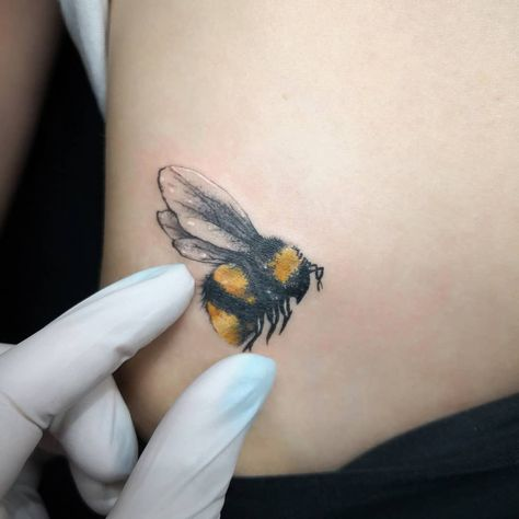 Watch the Best YouTube Videos Online - A beeutiful little bumble bee for my client today. I Was buzzing to do this one. She provided the image and was stinging to have it done with very little changes so away we went. #taleahnaomitattoo #parraink #tattoo #ink #tinytattoos #bumblebee #bee #nature #semirealism #worldfamousink #metrixneedles #smalltattoos #inkjunkies #inkedup