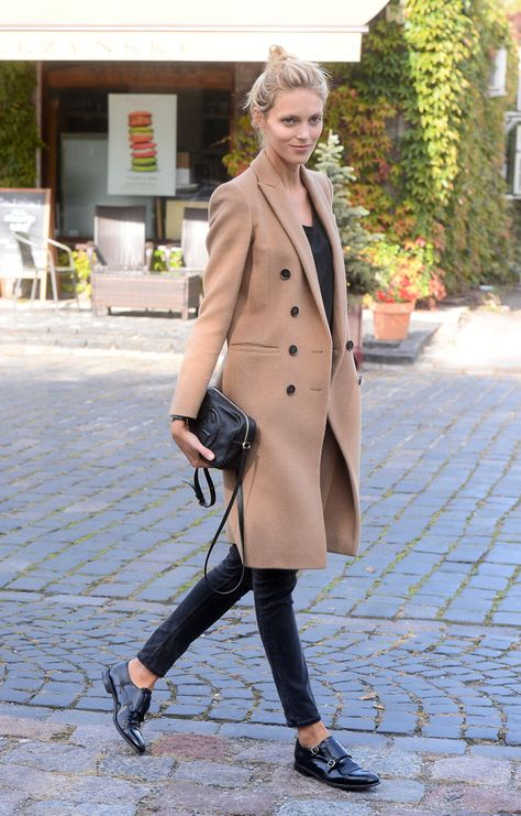 Anja Rubik Does Perfect Model-Off-Duty Style with a Little Gucci Bag