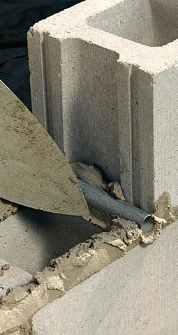 How To Build A Concrete Retaining Wall Concrete Retaining Walls Concrete Block Retaining Wall Diy Retaining Wall