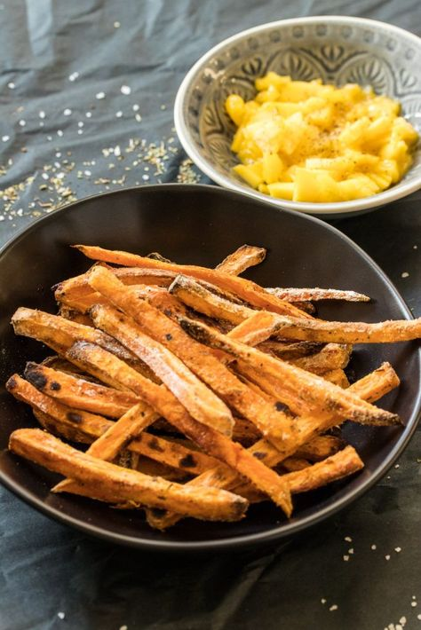 Photo of Süßkartoffelpommes aus dem Ofen // extra knusprig!