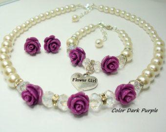 b9a0885ba260 La muchacha de flor marfil perla collar