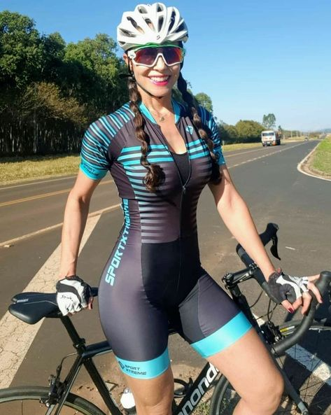 There is nothing quite so beautiful as a women with a bike. Bicycle Women, Road Bike Women, Bicycle Girl, Cycle Chic, Cycling Girls, Women's Cycling, Cycling Jerseys, Sport Outfit, Sporty Girls