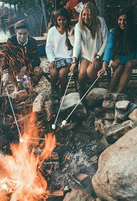 Sommer Camping Fotografie Freunde Ideen - Camping and other white people stuff - Summer Vibes, Summer Nights, The Last Summer, Summer Of Love, Summer With Friends, Summer Things, Summer Dream, Teen Summer, Voyager C'est Vivre