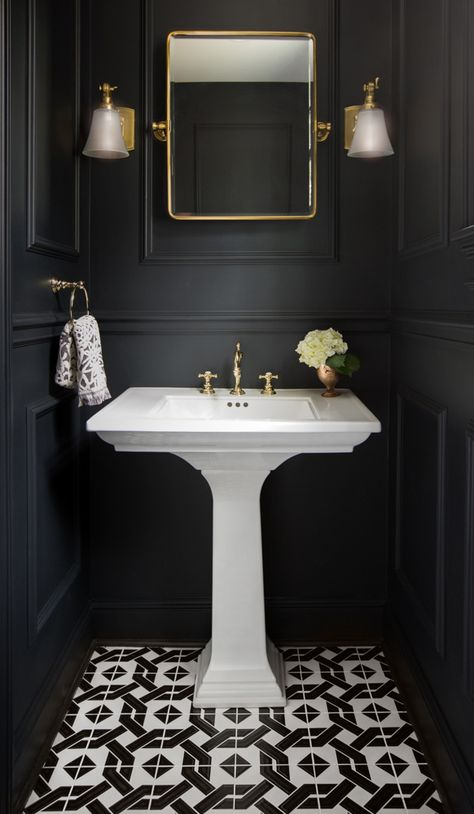 It's much harder to decorate tiny bathroom comparing to a big one, but it's not impossible for sure and we are going to prove you. Just check these best tiny bathroom ideas. Powder Room Remodel, Small Toilet Room, Black Toilet, Tiny Bathrooms, Bathroom Interior, Black Powder Room, Small Bathroom Remodel, Black Bathroom, Bathroom Interior Design