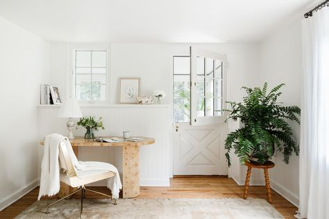 Havenly's Shelby Girard Renovated This 19th Century Carriage House in Connecticut