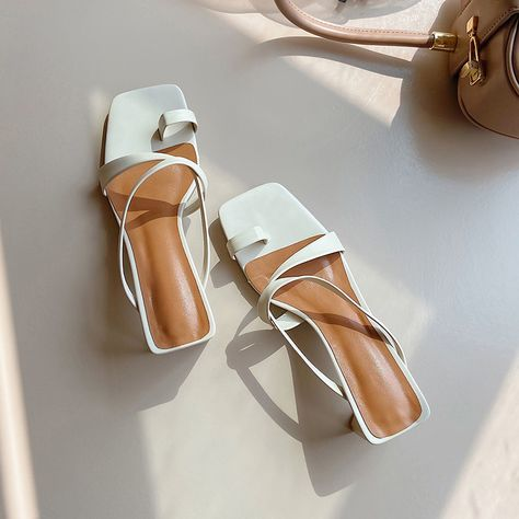 Heeled Sandals, Women's Shoes Sandals, Heeled Boots, Cute Shoes, Me Too Shoes, Shoemaking, Aesthetic Shoes, Nude Heels, Fashion Heels