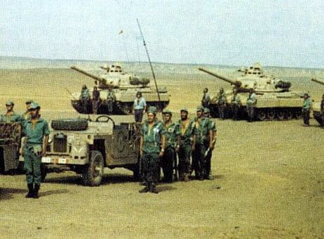 Spanish Colonial Infantry Land Rovers And Amx 30 Tanks During A Troop Review Western Sahara 1970 S Sahara Cold War Military Amx 30