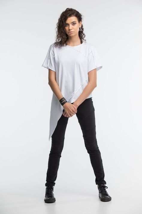 e7cb47180d92 Asymmetric white t-shirt