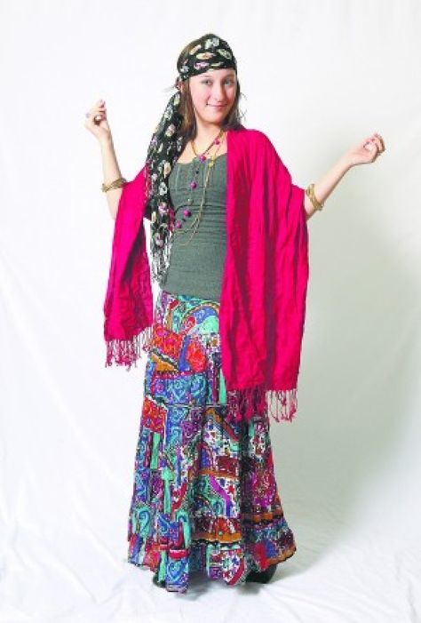 Here S A Diy Homemade Gypsy Costume In 2019 Easy Costumes