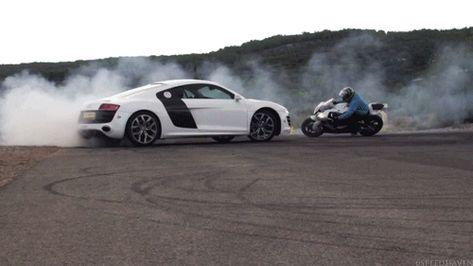Audi R8 Vs Bike Cargif Carros