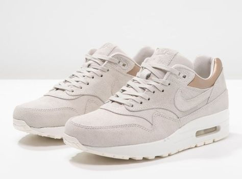 watch 77480 ae137 Nike Sportswear AIR MAX 1 PREMIUM Baskets basses gamma grey metallic golden  tan prix Baskets Femme Zalando 145.00 €
