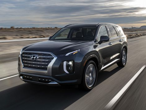 The 2020 Hyundai Palisade Is A Boldly Styled Three Row Crossover Hyundai Hyundai Cars Dream Cars
