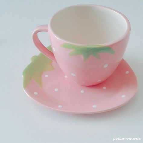 cup, kawaii, and strawberry afbeelding Kawaii Room, Girly, Cute Mugs, Geek Girls, Pink Aesthetic, Belle Photo, Tea Set, Feng Shui, Tea Party