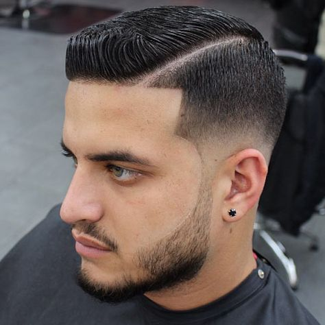 Line up hair is a fresh cut that can be combined with any hairstyle, short or long. Check out these pictures to see #lineups with a beard, fade and more.