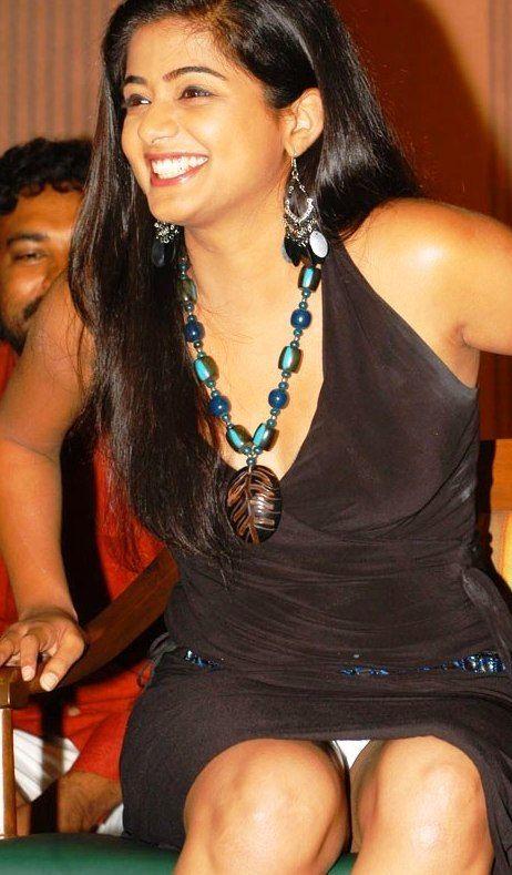 Indian upskirt and panties pic