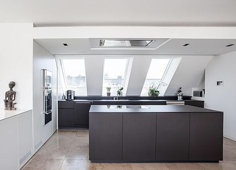 Edle Schreinerküche im Dachgeschoss Interior Exterior Design - küche in dachschräge