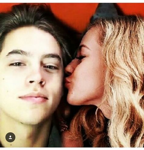 #bughead #liliandcole #sprousehart Lili Reinhart and Cole Sprouse// AGH my heart <3