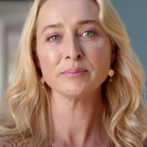 <p>Did you watch Offspring's season finale last night? I've actually been a a bit detached from this current season, but the finale promos alluding to more heartache for Nina had me on death-watch surveillance. And guess what? No one flipping died. What? (I still ate half a brownie, eating my anticipating-another-Offspring-god-awful-death feelings.) Still, I found […]</p>