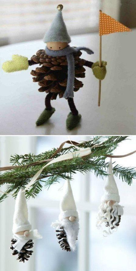 Naturelle, la pomme de pin est souvent utilisée comme élément de décoration,  par exemple dans un vase avec une guirlande lumineuse ou dans un panier.