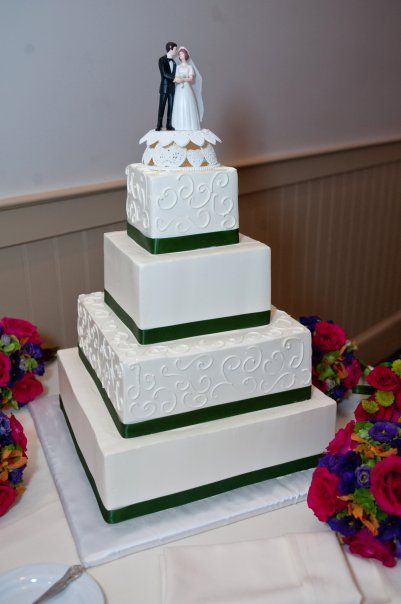 Simple Elegant Square Wedding Cakes